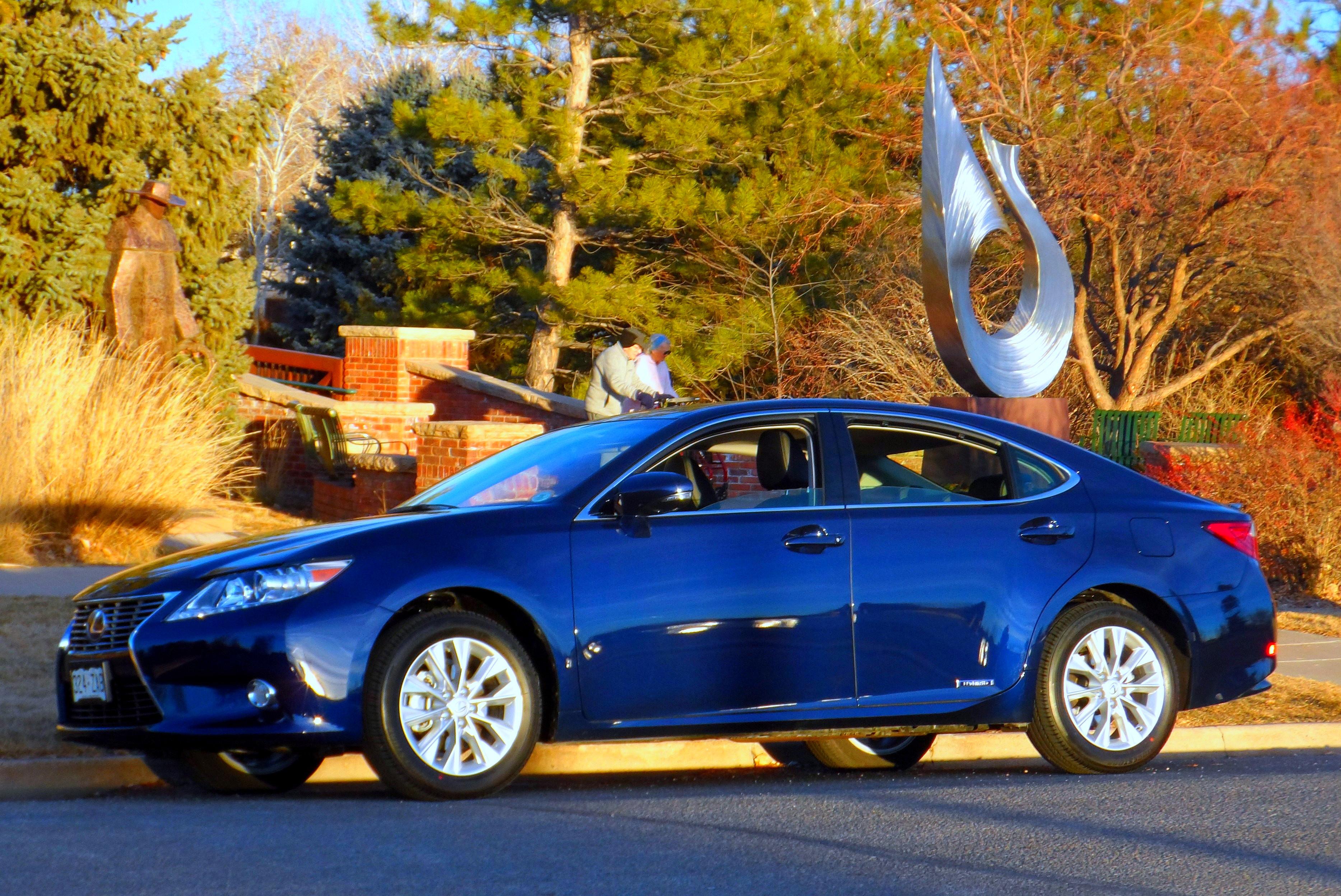 2013 Lexus ES300h FWD Sedan – Stu s Reviews