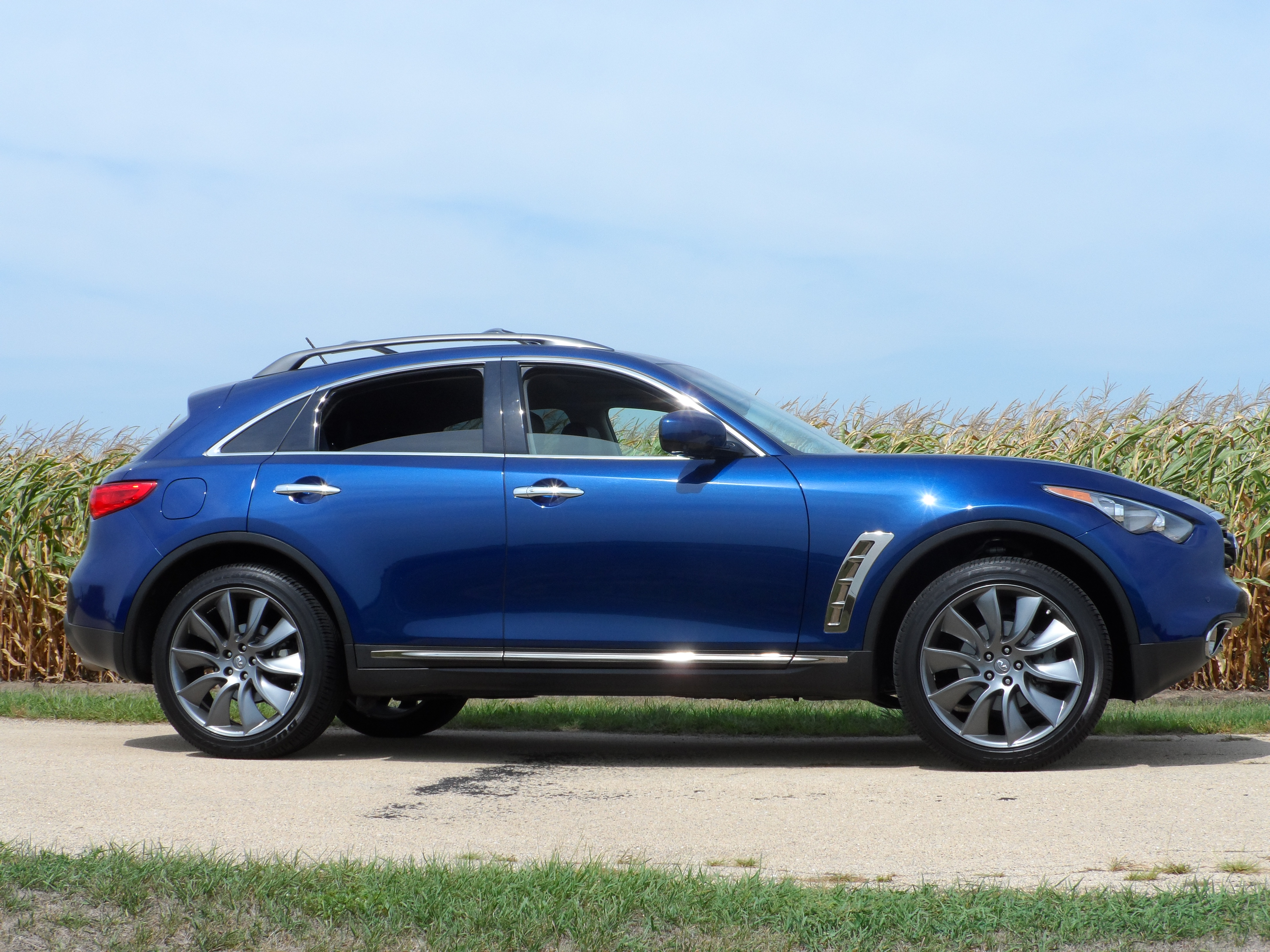 August 2012 stus reviews this past week in illinois i was presented an infiniti fx35 to drive around the state ruth and i picked it up at chicagos ohare international airport and vanachro Images