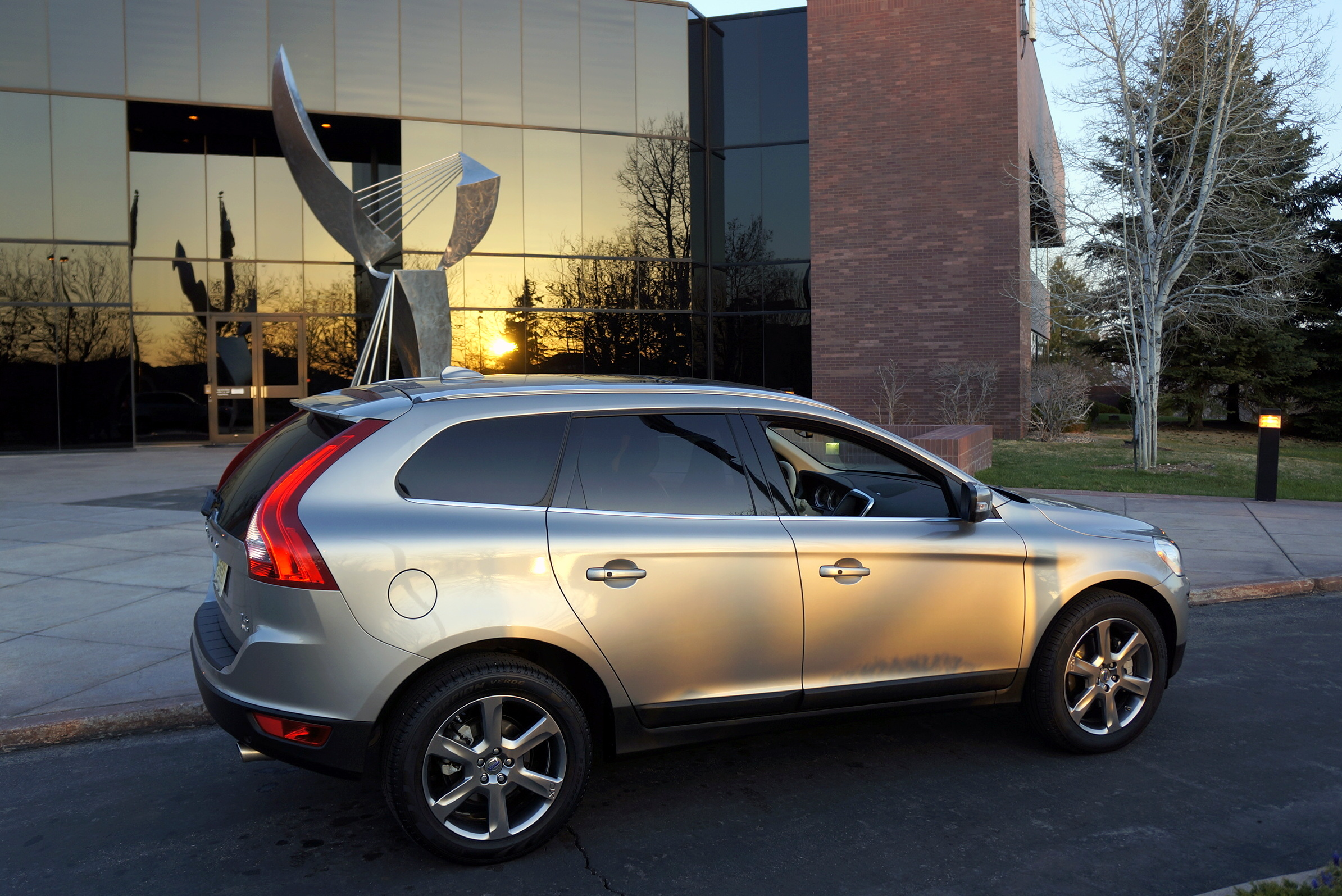 super trouper 2013 volvo xc60 t6 awd crossover stu 39 s reviews. Black Bedroom Furniture Sets. Home Design Ideas