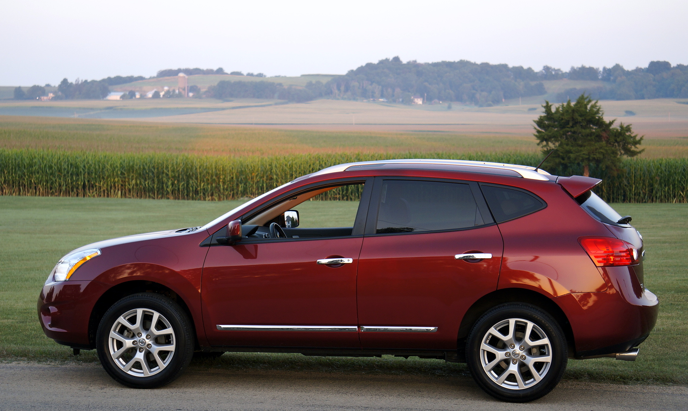 2013 nissan rogue sv awd stu 39 s reviews. Black Bedroom Furniture Sets. Home Design Ideas