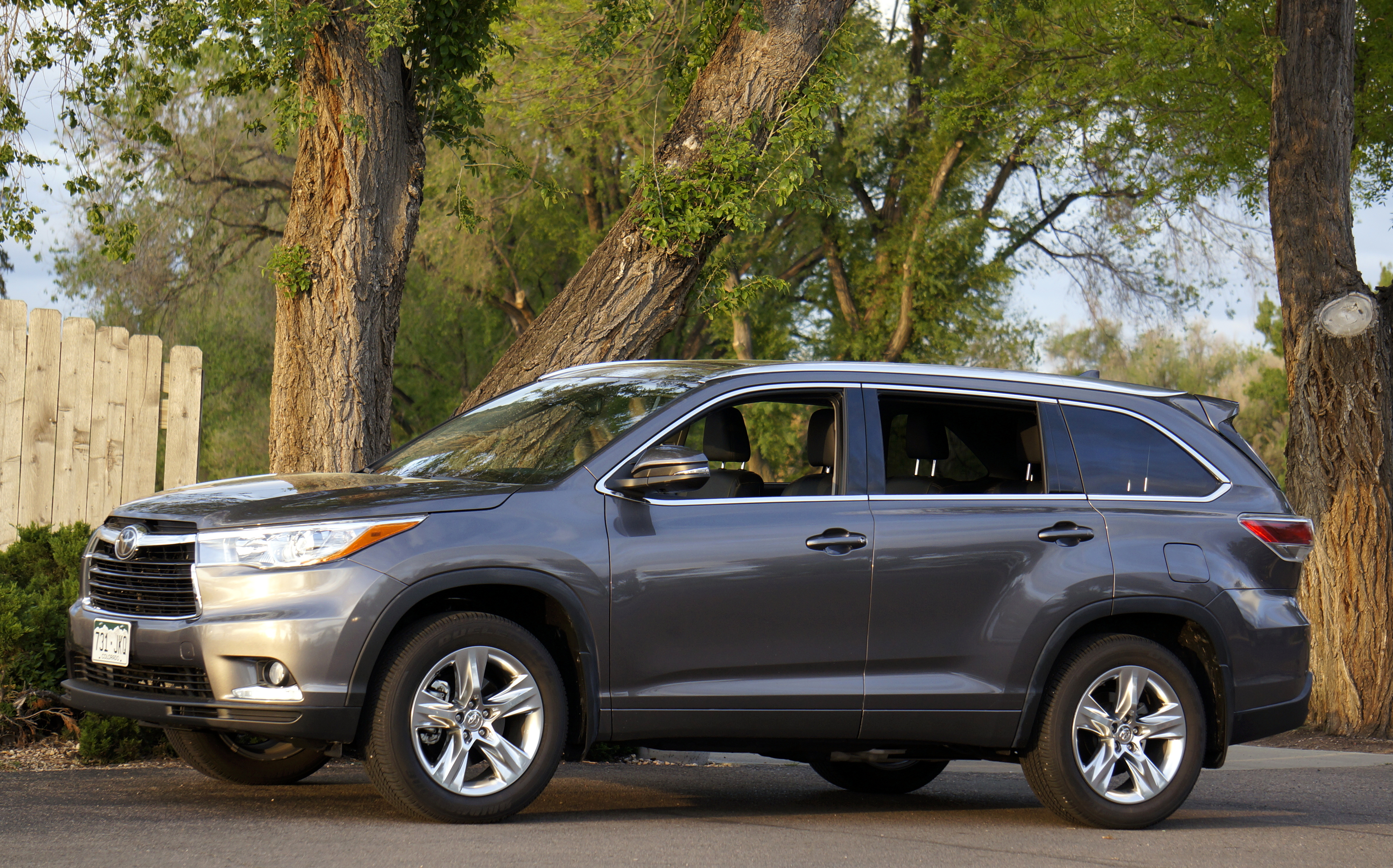 photos msrp options specs trims ca research autotrader toyota reviews highlander price hybrid