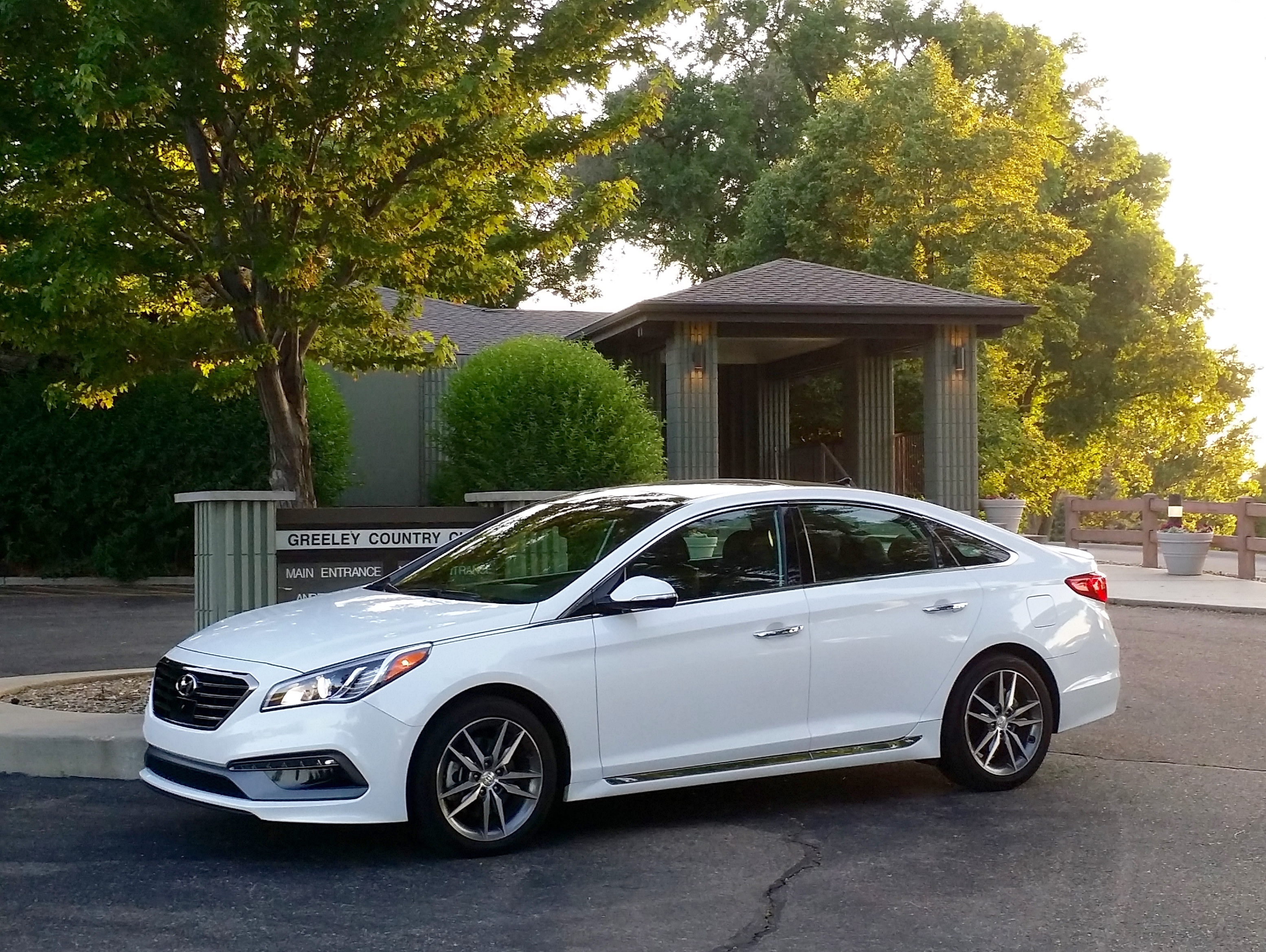 auto debuts news automobile in york hyundai front quarters at show there new photos sonata sport