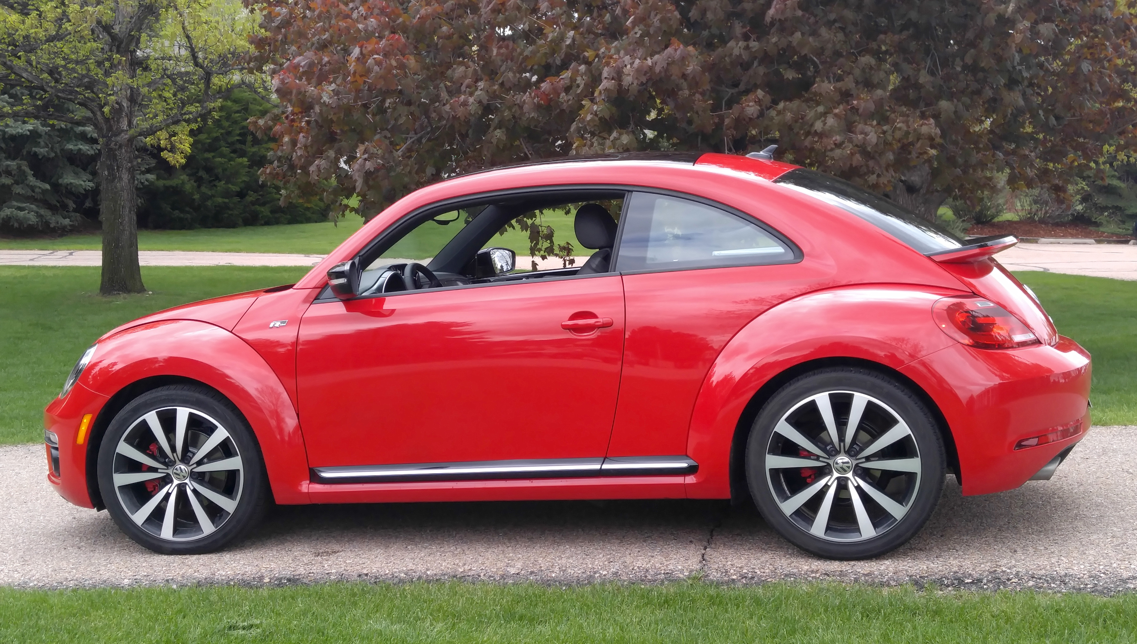2016 volkswagen beetle r line sel stu 39 s reviews. Black Bedroom Furniture Sets. Home Design Ideas