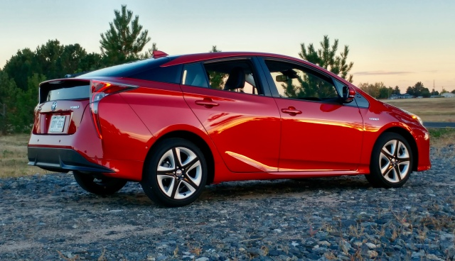 2016 toyota prius four touring liftback stu 39 s reviews. Black Bedroom Furniture Sets. Home Design Ideas