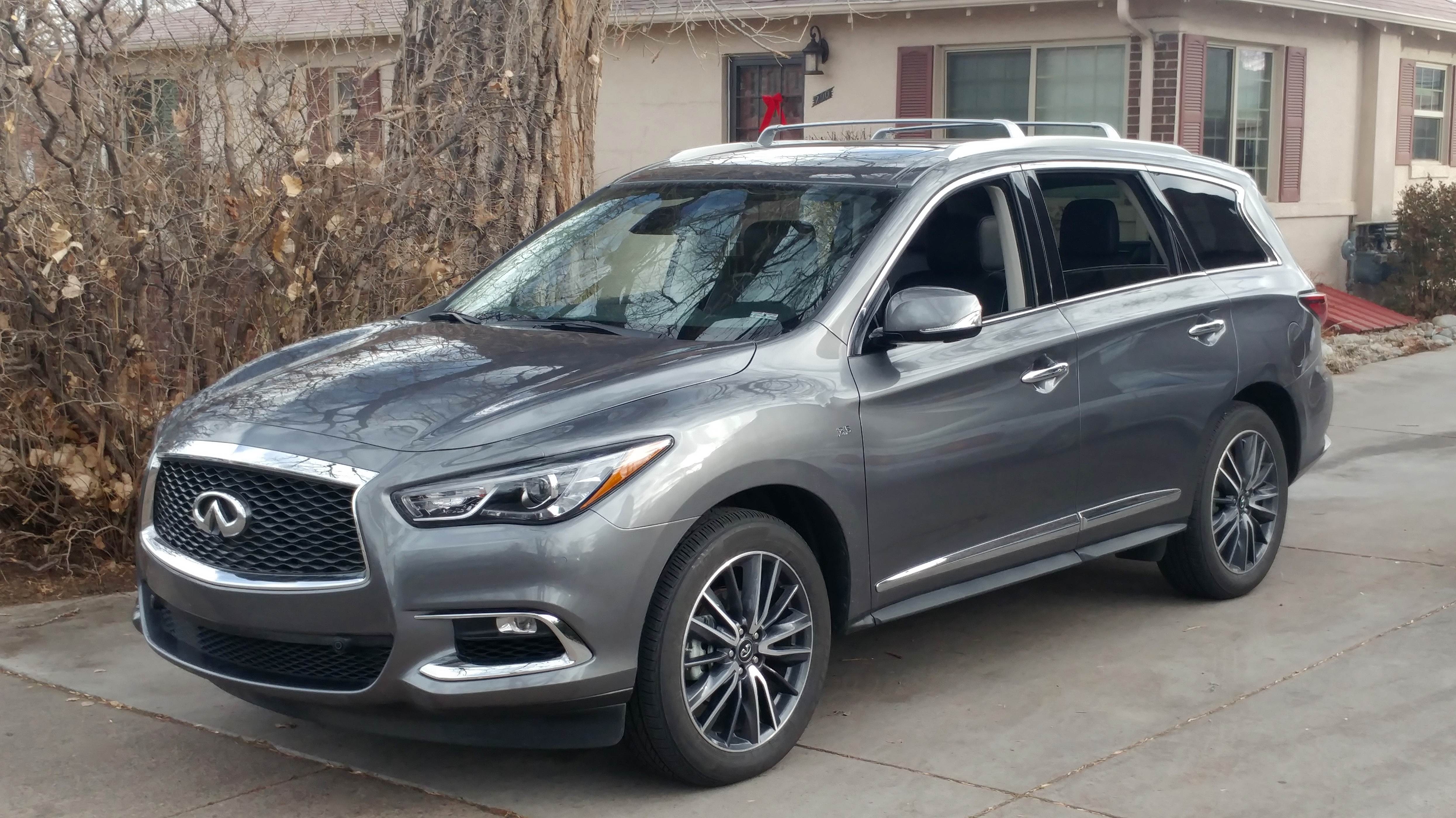 middle oct suv car pm news photo reviews reviewmotoring east review video infinity infiniti