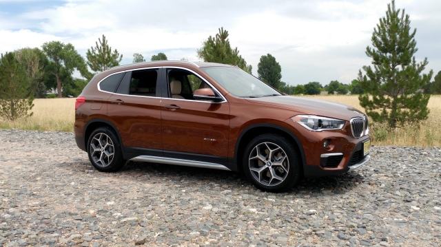 2017 bmw x1 awd 28i crossover stu 39 s reviews. Black Bedroom Furniture Sets. Home Design Ideas
